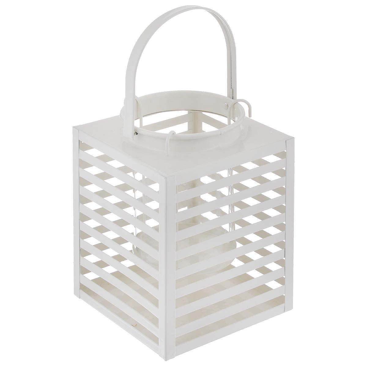 Подсвечник Gardman Orion, цвет: кремовый, 14,5 х 19 см19764кДекоративный подсвечник Gardman Orion порадует каждого, кто его увидит. Подсвечник выполнен из металла в виде прямоугольной корзины, оснащенной внутри пластиковой емкостью для размещения свечи. Изделие оснащено металлической ручкой. Теплое мерцание пламени свечи подарит вам настроение волшебства и торжественности. Создайте в своем доме атмосферу уюта, преображая интерьер стильными, радующими глаза предметами. Размер подсвечника: 14,5 см х 14,5 см х 19 см. Высота емкости для свечи: 10 см. Диаметр емкости для свечи (по верхнему краю): 9 см. Высота ручки: 11 см.