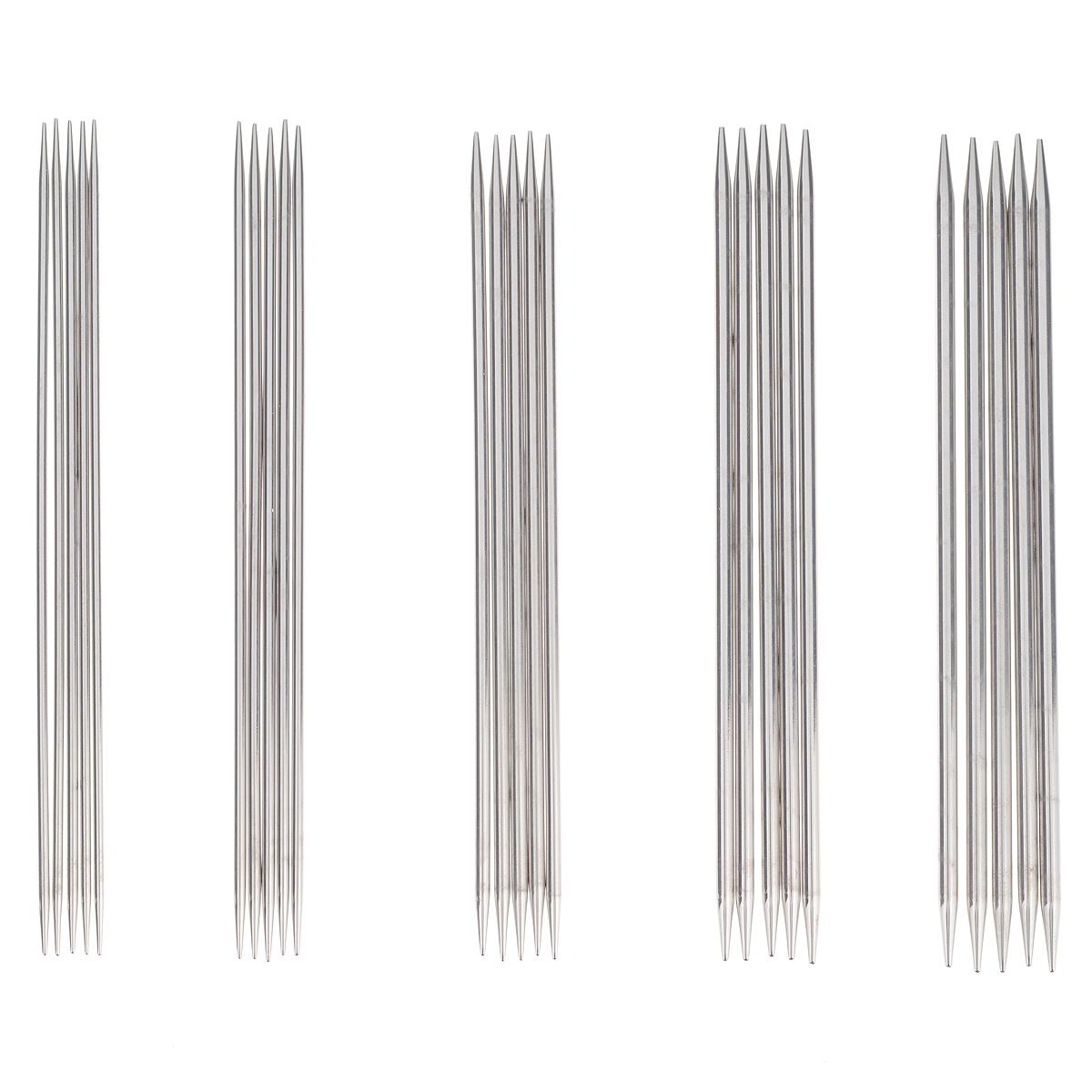 Набор чулочных спиц KnitPro Nova Meta, 6 предметов10651Набор KnitPro Nova Meta состоит из 5 комплектов чулочных спиц разного диаметра и пластиковой сумки-чехла для хранения спиц. Невероятно легкие, глянцевые с клиновидными наконечниками восхитительные спицы KnitPro Nova Metal изготовлены из никелированной латуни, что обеспечивает гладкую, атласную поверхность, которая позволяет петлям перемещаться свободно и быстро. Спицы без ограничителей предназначены для вязания шапочек, варежек и носков. Вы сможете вязать для себя и делать подарки друзьям. Рукоделие всегда считалось изысканным, благородным делом. Работа, сделанная своими руками, долго будет радовать вас и ваших близких. Диаметр спиц: 2 мм, 2,5 мм, 3 мм, 3,5 мм, 4 мм.