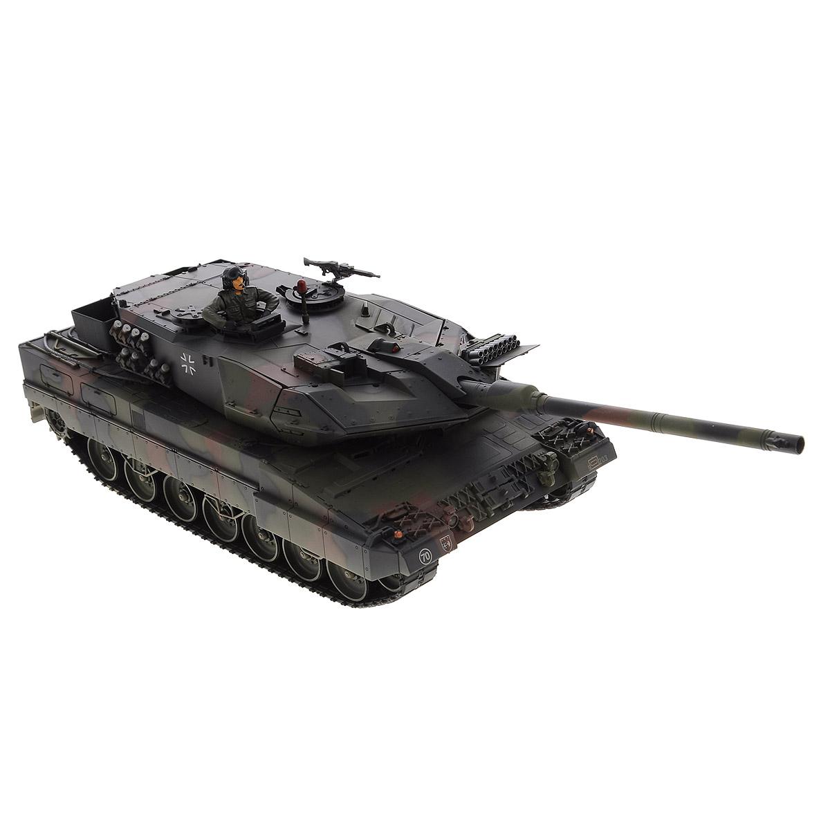 VSP Танк на радиоуправлении German Leopard2 A6628436Радиоуправляемый танк VSP German Leopard2 A6 - это реалистичная коллекционная модель в масштабе 1/24. Она представляет собой уменьшенную копию немецкого основного боевого танка, известного как Леопард 2. Модель серийно выпускается с 1979 года и стоит на вооружении армий Австрии, Германии, Норвегии, Швеции, Испании, Турции и других стран. Пульт управления работает на частоте 2,4 ГГц и оснащен светодиодной подсветкой голубого цвета. Система Airsoft обеспечивает постоянное движение танка и стрельбу из пневматической пушки. Данная модель может стрелять мягкими (пневматическими) BB шариками, поэтому имеет возрастное ограничение от 14 лет. Благодаря работе на частоте 2,4 ГГц танк будет легко сопрягаться с пультом управления. Новые электронные схемы, примененные в этом пульте, позволяют принимать участие в игровых сражениях одновременно 16 танкам. Радиус управления заметно увеличился и составляет 40-50 метров на улице и 25-30 метров внутри ...