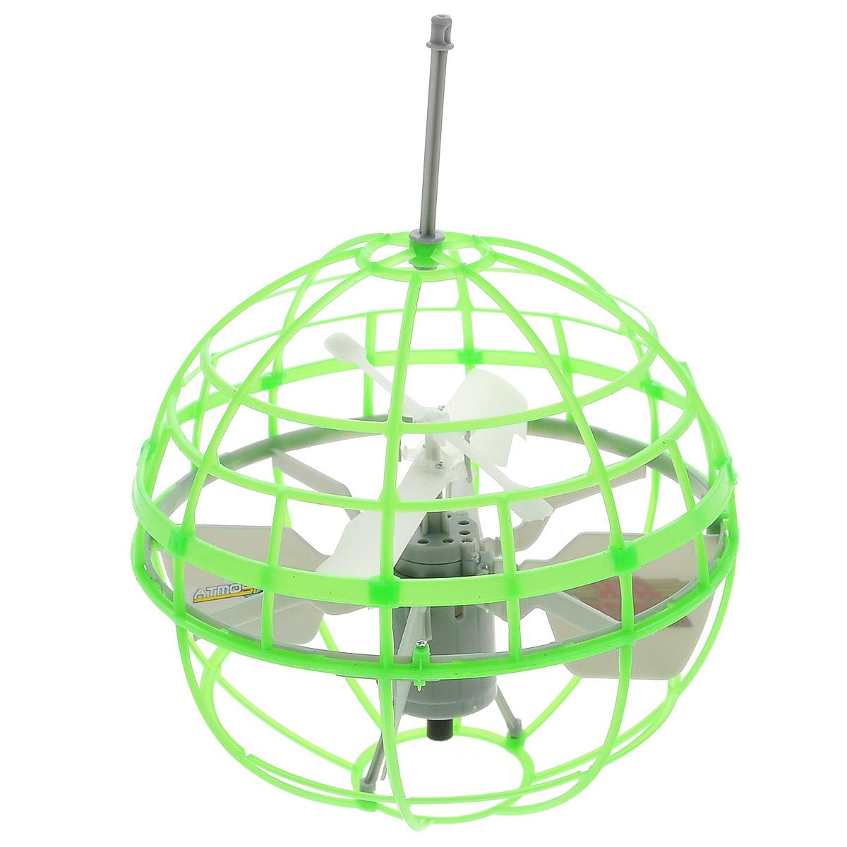 Air Hogs Игрушка на радиоуправлении Atmosphere Axis цвет зеленый44475Радиоуправляемая модель Air Hogs Летающий шар обязательно понравится вашему ребенку. Она выполнена из безопасных материалов в виде шара, внутри которого находится пропеллер. При включении шар взлетает в воздух. Управление игрушкой осуществляется рукой. Сферическая форма шара игрушки позволяет ей отталкиваться от препятствий. Выключение производится посредством переведения переключателя на устройстве управления в положение Оff. Игрушка заряжается в отключенном состоянии на зарядном устройстве - подставке. Игрушка работает от перезаряжаемого литий-полимерного элемента питания напряжением 3,7V (входит в комплект). Устройство управления работает от 6 батареек напряжением 1,5V типа АА (не входят в комплект).