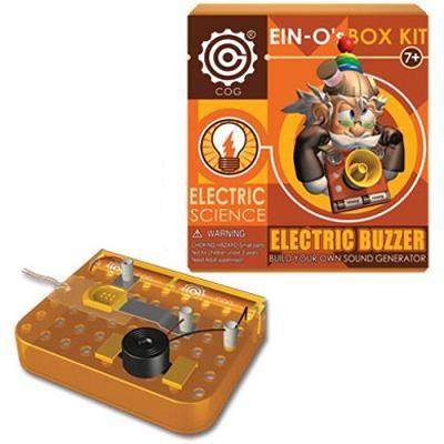 Профессор Эйн: Электрический зуммерE2385NEBЭтот набор познакомит ребёнка с интересными свойствами электричества! Он сможет собрать прибор, который издаёт сигналы и используется для передачи сообщений, и сигнализацию для защиты дома.
