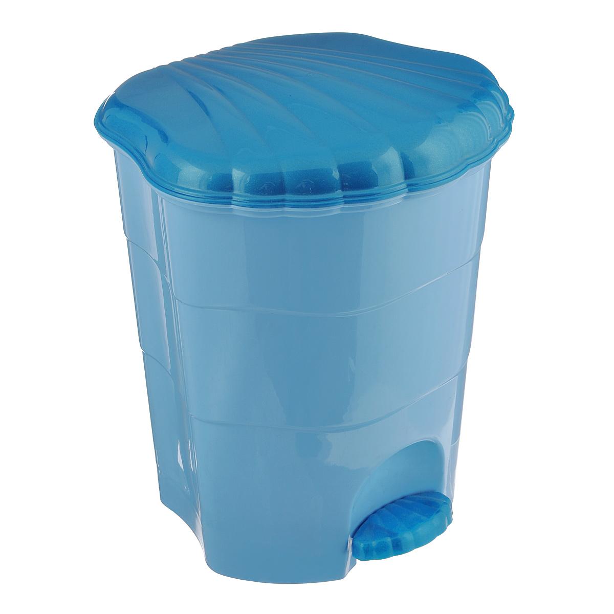 Контейнер для мусора Violet, с педалью, цвет: голубой, бирюзовый, 11 л0511/3Мусорный контейнер Violet выполнен из прочного пластика, не боится ударов и долгих лет использования. Изделие оснащено педалью, с помощью которой можно открыть крышку. Закрывается крышка практически бесшумно, плотно прилегает, предотвращая распространение запаха. Внутри пластиковая емкость для мусора, которую при необходимости можно достать из контейнера. Интересный дизайн разнообразит интерьер вашего дома и сделает его более оригинальным. Размер: 26,5 см x 27,5 см x 31 см.