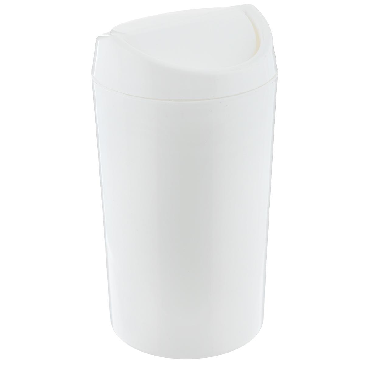 Контейнер для мусора Бытпласт, цвет: белый, 1,25 лС12011Однотонный контейнер для мусора Бытпласт изготовлен из прочного пластика. Такой аксессуар очень удобен в использовании как дома, так и в офисе. Контейнер снабжен удобной поворачивающейся крышкой. Стильный дизайн сделает его прекрасным украшением интерьера.