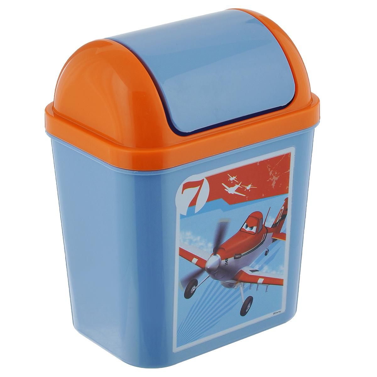 Контейнер для мусора Полимербыт Тачки, самолеты, цвет: синий, оранжевый, 0,8 лС49177Контейнер для мусора Полимербыт Тачки изготовлен из прочного пластика и декорирован ярким цветным рисунком. Такой аксессуар очень удобен в использовании как дома, так и в офисе. Контейнер снабжен удобной поворачивающейся крышкой. Стильный дизайн сделает его прекрасным украшением интерьера.