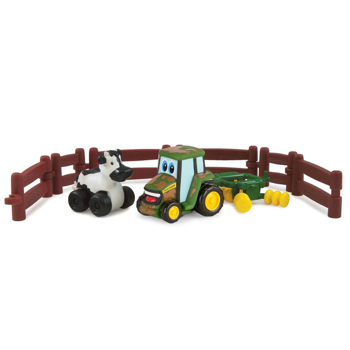 Tomy Игровой набор Приключения трактора Джонни и его друзей на ферме. Корова37722RUИгровой набор Tomy Приключения трактора Джонни и его друзей на ферме несомненно понравится вашему ребенку и поможет обеспечить увлекательный досуг. Набор включает трактор, прицеп, корову на колесиках и 6 элементов забора. Прицеп можно присоединить как к корове, так и к трактору. Предметы выполнены из высококачественного пластика и поставляются в фирменной упаковке. Ваш ребенок будет часами играть с этим игровым набором, придумывая различные истории. Порадуйте его таким интересным набором!