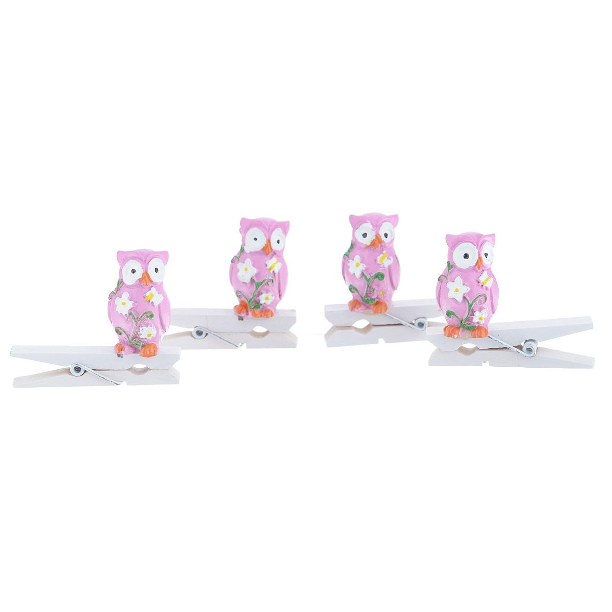 Набор декоративных прищепок Феникс-презент Совушки, 4 шт39436Набор Феникс-презент Совушки состоит из 4 декоративных прищепок, выполненных из дерева. Прищепки оформлены декоративными фигурками из полирезины в виде сов с цветами. Изделия используются для развешивания стикеров на веревке, маленьких игрушек, а оригинальность и веселые цвета прищепок будут радовать глаз и поднимут настроение. Размер прищепки: 4,5 см х 1,5 см х 4 см.