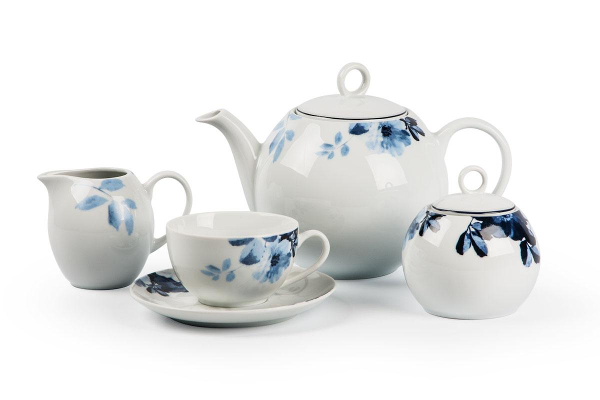 Monalisa 1780 чайный сервиз 15 пр, цвет: бело-синий559511 1780Чайник 1 л, сахарница 230мл, молочник 230мл, чайная пара 210 мл *6 штук. Фарфор фабрики Tunisie Porcelaine, производится в Тунисе из знаменитой своим качеством и белизной глины, добываемой во французской провинции Лимож.Преимущества этого фарфора заключаются в устойчивости к сколам и трещинам, что возможно благодаря двойному термическому обжигу. Европейский дизайн, декор и формы обеспечиваются за счет тесного сотрудничества фабрики с ведущими мировыми дизайн-бюро такими как: Nelly Reynal, Yves De la Rosiere, Sarah Anderson, Heracles.