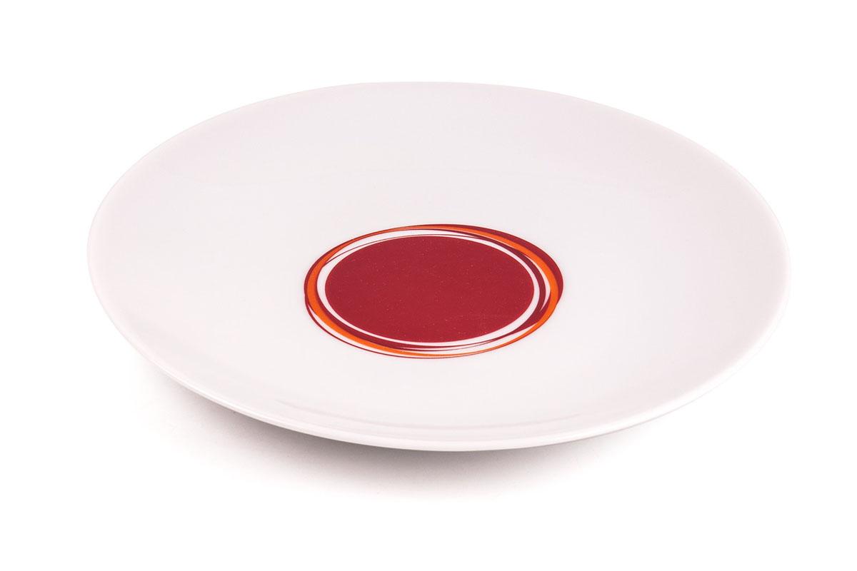 Тарелка десертная La Rose Des Sables Monalisa, цвет: белый, красный, диаметр 21 см720121 0540Десертная тарелка La Rose Des Sables Monalisa - прекрасное дополнение праздничного стола. Изделие выполнено из высококачественного фарфора и украшено изысканным абстрактным узором. Фарфор марки La Rose Des Sables изготавливается из уникальной белой глины, которая добывается во Франции, в знаменитой провинции Лимож. Особые свойства этой глины, открытые еще в 18 веке, позволяют создать удивительно тонкую, легкую и при этом прочную посуду. Лиможский фарфор известен по всему миру. Это символ утонченности, аристократизма и знак высокого вкуса. Продукция импортируется в европейские страны и производится под брендом La Rose des Sables, что в переводе означает Роза песков. Преимущества этого фарфора заключаются в устойчивости к сколам и трещинам, что возможно благодаря двойному термическому обжигу. Посуда имеет маркировку Pate de Limoges, подтверждающую, что сырье для ее изготовления добыто именно в провинции Лимож, а качество соответствует европейским стандартам....