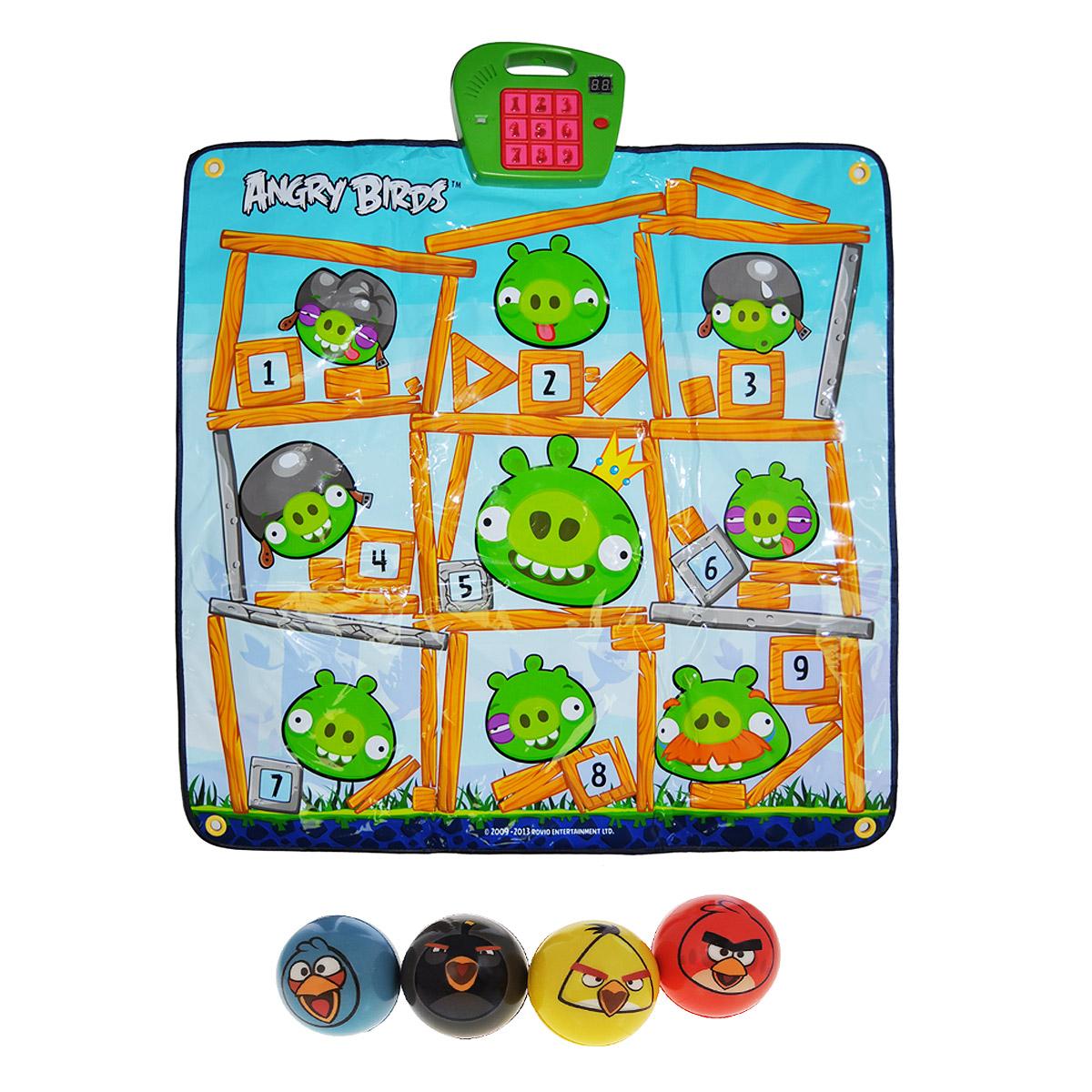 Angry Birds Игровой развивающий коврик ClassicТ01Angry Birds Игровой развивающий коврик Classic это занимательная игра, которая не оставит равнодушным ни взрослого, ни ребенка! В комплекте: выполненная в стиле Angry Birds мишень и набор из 4 мячиков. Коврик можно расположить на любой ровной горизонтальной поверхности, либо повесить как настоящую мишень на стене. Для этой цели в уголках коврика сделаны специальные отверстия. Правила игры: Установите кнопку переключателя в положение ON (ВКЛ). Нажмите на кнопку SELECT (ВЫБОР), для того чтобы выбрать нужный уровень. Смотрите на цифры, загорающиеся на главной панели и успейте попасть мячиком по соответствующему номеру свинки. При попадании в цель Вы услышите мелодии и звуки из популярной игры. Игра имеет 3 уровня сложности. Развивает меткость, скорость реакции и координацию движений. Проверьте свою ловкость и меткость! Устраивайте соревнования с друзьями! Играйте и выигрывайте! Для работы игрушки необходимы 3 батарейки напряжением 1,5V типа АА (не входят...
