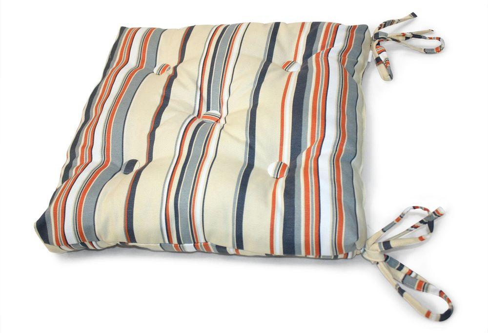 Подушка на стул Флора, цвет: серый, голубой, 40 см х 40 смUN112004660Подушка на стул Флора выполнена из хлопка и полиэстера с ярким полосатым принтом, наполнена мягким полиэфиром и украшена пятью декоративными пуговицами, обтянутыми тканью. Подушка легко крепится к стулу с помощью четырех завязок. Длина каждой завязки: 32 см. Чехол несъемный. Правильно сидеть - значит сохранить здоровье на долгие годы. Жесткие сидения подвергают наше здоровье опасности. Подушка с наполнителем из полиэфира поможет предотвратить многие беды, которыми грозит сидячий образ жизни.