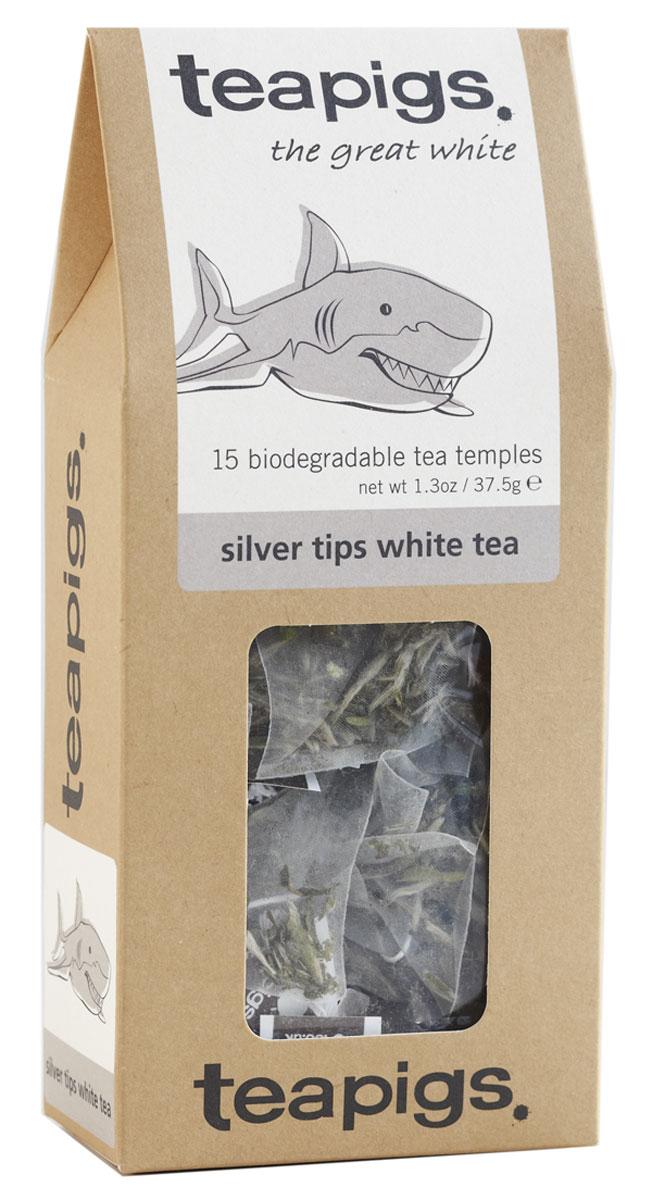 Teapigs Silver Tips White зеленый чай в пирамидках, 15 шт10В первые часы рассвета, лишь две недели в году, в китайской провинции Фуцзянь рабочие плантаций собирают молодые побеги этих волшебных чайных кустов. По древней традиции их высушивают под теплым китайским солнцем, после чего отправляют ценителям элитных чаев, выращенных в Поднебесной (то есть нам). Teapigs Silver Tips White - пожалуй, лучший чай в коллекции teapigs. Каков он на вкус? Освежающий, легкий и ароматный. Персик и груша. Без добавок. Это не просто зеленый чай, продающийся под видом белого; это настоящий белый чай с горных склонов Китая. Если белый чай окрашивает воду в зеленый цвет, знайте — перед вами обычный зеленый чай. Остерегайтесь подделок! Самое то, если вы чувствуете себя святошей или хотите избавиться от грязных мыслей. Забудьте про розарии и Аве Марию — исцелитесь чашкой замечательного белого чая, полного антиоксидантов.