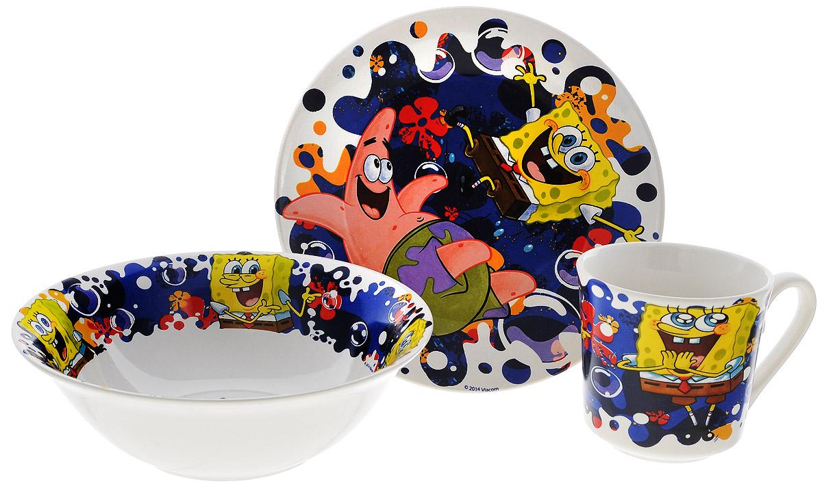 Губка Боб Набор посуды Океан счастья, 3 предметаSBS3-3Красочный набор посуды Губка Боб, выполненный из качественной керамики, идеально подойдет для повседневного использования. В комплект входят: тарелка с диаметром 19 см, миска диаметром 18 см и кружка объемом 220 мл. Все предметы выполнены в оригинальном дизайне с изображением забавных героев из мультфильма Губка Боб. Набор упакован в коробку из плотного картона. Набор посуды непременно доставит массу удовольствия своему обладателю. Допустимо использование в посудомоечной машине и СВЧ. Рекомендуется для детей от: 3 лет.