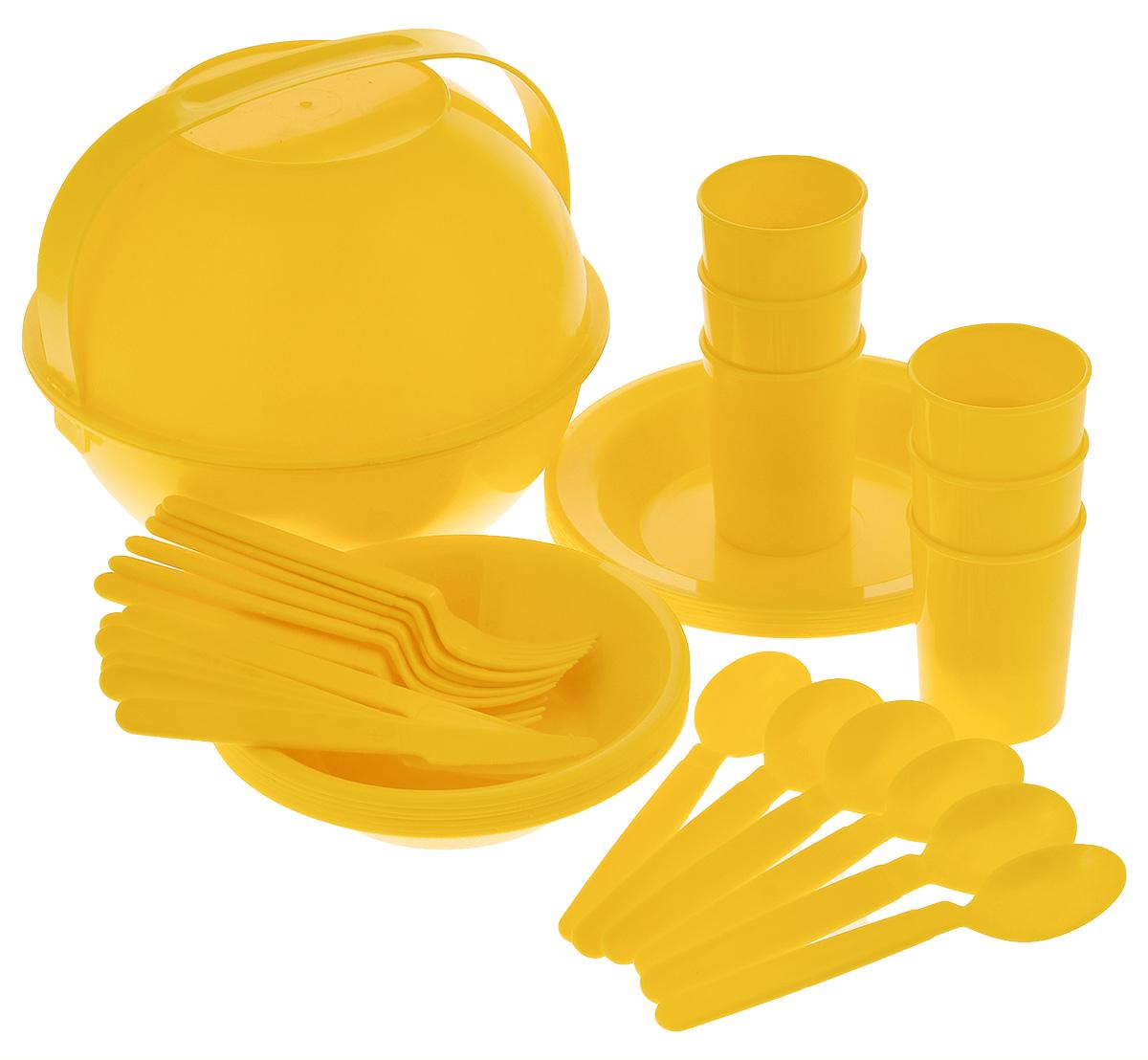 Набор туристический Колорпласт, цвет: желтый, на 6 персон, 38 предметов1538_желтыйТуристический набор Колорпласт включает: 2 глубоких салатника, 6 глубоких тарелок, 6 мелких тарелок, 6 стаканов, 6 ножей, 6 ложек, 6 вилок и изготовлен из высококачественного прочного пластика. Набор снабжен удобной ручкой для переноски. Стильный функциональный набор будет незаменим в дороге, на пикнике. Его можно взять с собой куда угодно, и вы всегда сможете наслаждаться горячим напитком или едой. Диаметр салатника (по верхнему краю): 24,5 см. Высота стенки салатника: 10 см. Диаметр глубокой тарелки (по верхнему краю): 18,5 см. Высота стенки глубокой тарелки: 4 см. Диаметр мелкой тарелки (по верхнему краю): 21 см. Высота мелкой тарелки: 3 см. Диаметр стакана (по верхнему краю): 7 см. Высота стакана: 9 см. Диаметр основания стакана: 5,5 см. Объем стакана: 250 мл. Длина ложки: 18,5 см. Длина вилки: 18,5 см. Длина ножа: 18,5 см. Длина лезвия ножа: 6,5 см.