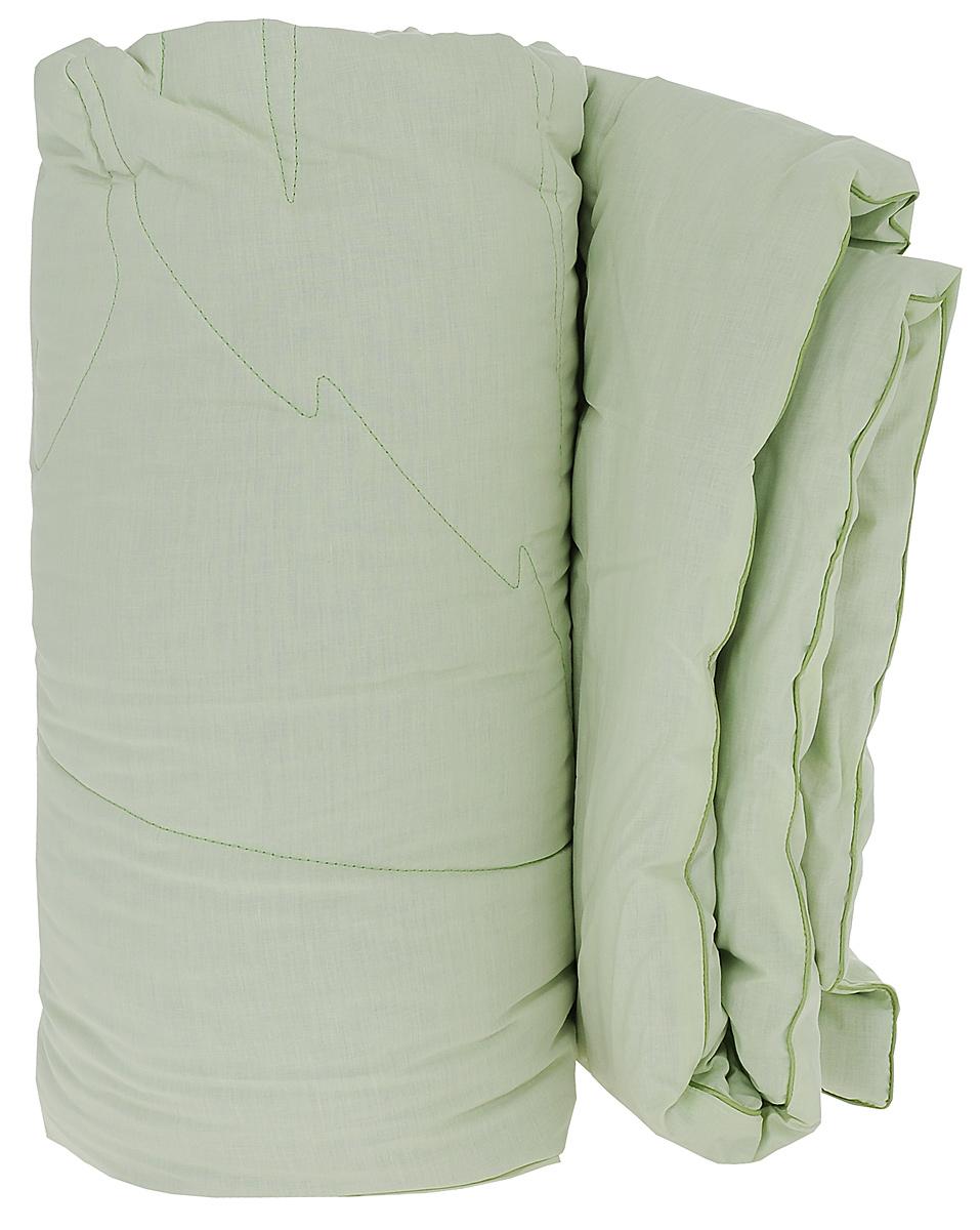 Одеяло Primavelle Ortica, наполнитель: крапива, цвет: светло-зеленый, 172 см х 205 см124360101-NtЧехол одеяла Primavelle Ortica выполнен из 100% хлопка. Наполнитель одеяла состоит из крапивы (70%) и полиэфира (30%). Стежка надежно удерживает наполнитель внутри и не позволяет ему скатываться. Волокно крапивы оказывает оздоравливающее воздействие на организм, Ваш сон будет здоровым и крепким. Витамины, которые содержатся в крапиве в большом количестве, оказывают общеукрепляющее и противовоспалительное воздействие. Помимо этого, благодаря содержанию в растении фитонцидов оно обладает бактерицидными свойствами, что обеспечивает защиту от развития микроорганизмов. Декоративная ниточная стежка лист крапивы не только надежно удерживает наполнитель, но и украшает одеяло. Одеяло упаковано в тканевый чехол с одной пластиковой стороной на змейке с ручкой, что является чрезвычайно удобным при переноске. Рекомендации по уходу: - Допускается стирка при 40 градусах, - Нельзя отбеливать. При стирке не использовать средства, содержащие...
