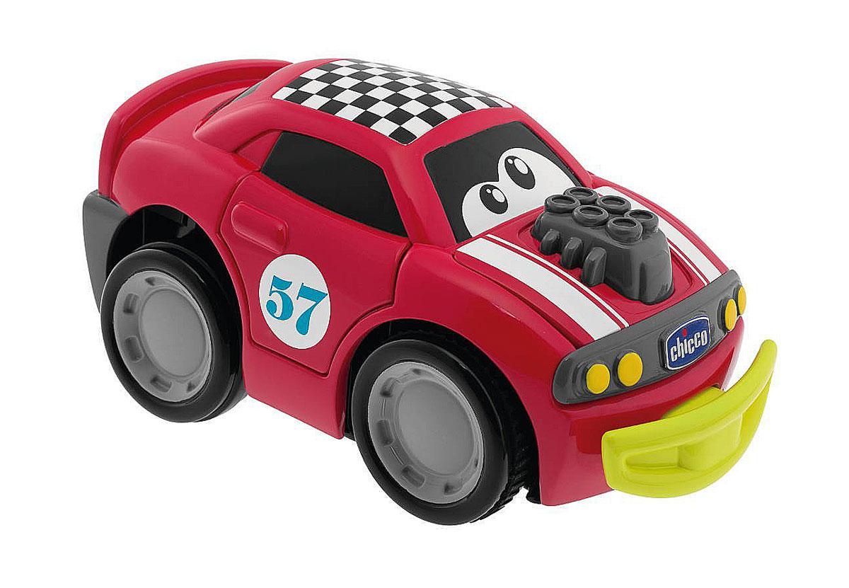 Chicco Машинка Turbo Touch Crash, цвет: красный00006716000000Игрушечная машинка Turbo Touch Crash стартует от простого нажатия на заднюю часть автомобиля. Чем сильнее нажать, тем продолжительней будет путь автомобиля. При столкновении с препятствием у забавной машины открываются двери, и решетка радиатора, после чего можно увидеть забавное выражение на мордашке машинки. Эти действия сопровождаются интересными звуковыми эффектами. После того как ребенок починит машинку, собрав все отвалившиеся части, она может продолжить свой путь. Работает от 3 батареек типа АА (входят в комплект).