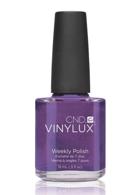 CND Винилюкс Профессиональный недельный лак VINYLUX, #117 Grape Gum, 15 мл9880Лак VINYLUX™ – это, в первую очередь, лак, отвечающий современным требованиям. Он маркирован значком 3Free, который говорит об отсутствии в его составе таких вредных компонентов, как дибутилфталат, толуол, формальдегид и его смол. Vinylux (винилюкс) - это двухступенчатая система нанесения лака, состоящая из цветного покрытия и закрепителя. Благодаря инновационной технологии ваш маникюр станет более совершенным, а процесс еего выполнения еще более быстрым. Больше не нужно использовать базу, самоклеющийся состав цветного покрытия не содержит вредных веществ и одновременно обеспечивает защиту вашим ногтям. Закрепитель позволяет лаку держаться на ногтях неделю без сколов и царапин. Vinylux высыхает за восемь с половиной минут и не требует использования UV-лампы. Сейчас насчитывается 62 модных цвета покрытия, включая более 30 цветов, которые совпадают с популярными оттенками CND Shellac. Новинка от CND Vinylux - это более стойкое, блестящее покрытие, которое держится неделю. Расход...
