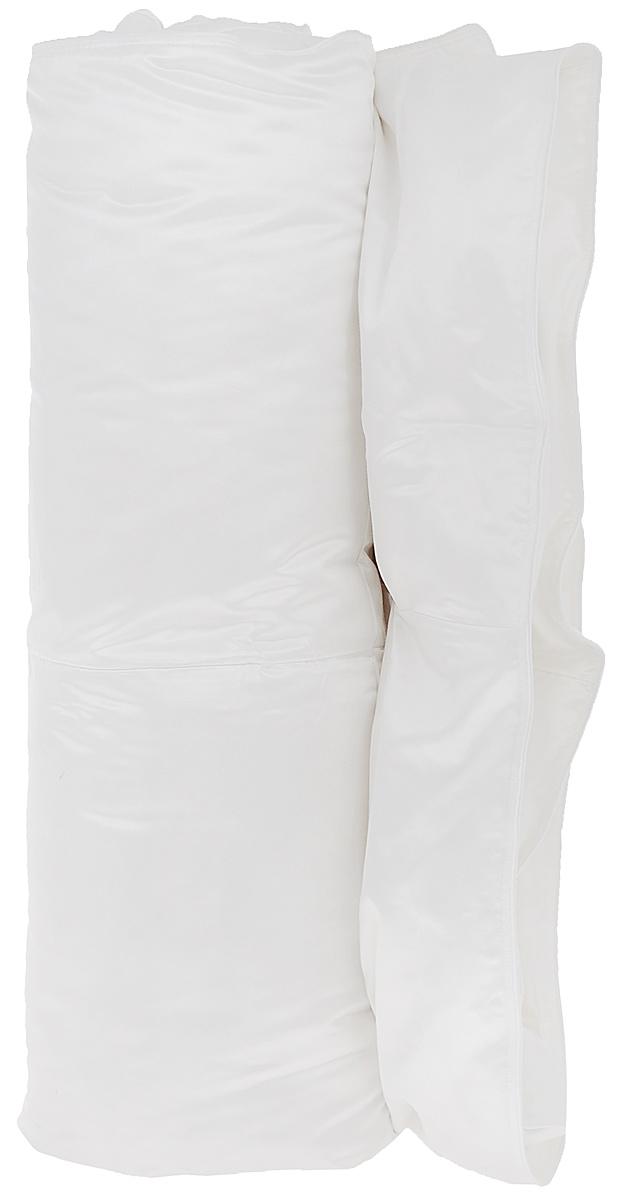 Одеяло Primavelle Silvia, наполнитель: гусиный пух, цвет: белый, 140 см х 205 см124147810-LЧехол одеяла Primavelle Silvia выполнен из 100% шелка. Наполнитель одеяла состоит из 100% гусиного пуха Экстра. Стежка надежно удерживает наполнитель внутри и не позволяет ему скатываться. Белый гусиный пух для этой линии собирается вручную, проходит гипоаллегенную и антиклещевую обработки. Строгие климатические условия Сибири делают гусиный пух невероятно крупным, упругим и легким. Натуральный шелк идеально удерживает пуховое сокровище внутри. Шелк – это удивительный материал: легкий, изысканный, струящийся, обладающий гигроскопичностью и отличной терморегуляцией, повышенной износостойкостью. Пуховые постельные принадлежности в чехле из натурального шелка будут дарить вам здоровый и комфортный сон круглый год. Под таким одеялом будет тепло зимой и комфорт. Primavelle Silvia имеет кассетное распределение пуха, т.е. в каждую камеру пух задувается отдельно. Такое распределение пуха позволяет на долгие годы сохранять великолепную форму одеяла. ...