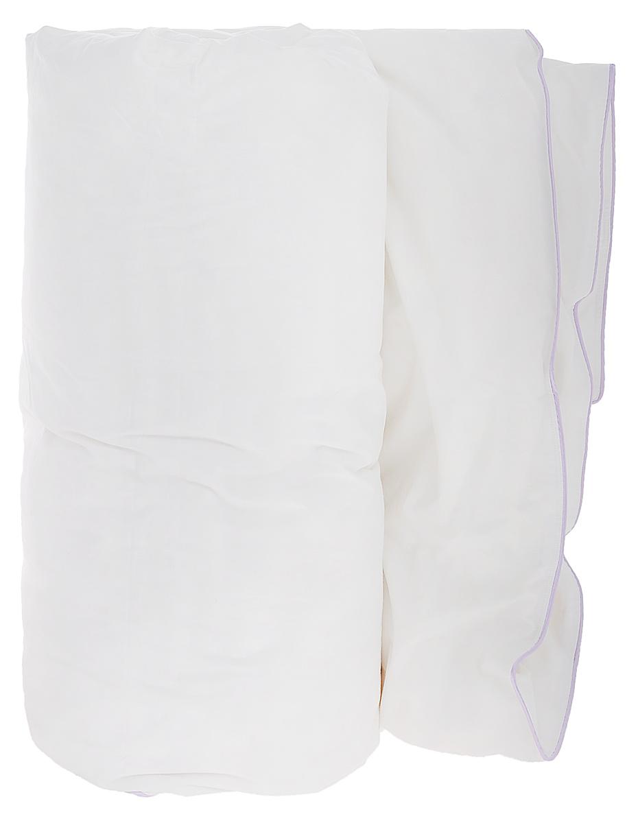 Одеяло Primavelle Patrizia, наполнитель: пух, цвет: белый, 200 х 220 см1219482906-LЧехол одеяла Primavelle Patrizia выполнен из 100% хлопка. Наполнитель одеяла состоит из пуха 1 категории. Стежка надежно удерживает наполнитель внутри и не позволяет ему скатываться. Белоснежный хлопковый чехол с атласным кантом лилового цвета и наполнитель из белого сибирского пуха первой категории – сочетание классики и новизны, воплощенные в пуховом одеяле Primavelle Patrizia. Лиловый кант выигрышно подчеркивает белоснежность чехла. Двойная строчка не позволяет пуху покидать чехол. Одеяло упаковано в тканевый чехол с одной пластиковой стороной на змейке с ручкой, что является чрезвычайно удобным при переноске. Рекомендации по уходу: - Допускается стирка при 30 градусах в деликатном режиме, - Нельзя отбеливать. При стирке не использовать средства, содержащие отбеливатели (хлор), - Не гладить. Не применять обработку паром, - Сухая чистка, - Допускается только горизонтальная сушка в машине в щадящем режиме. ...