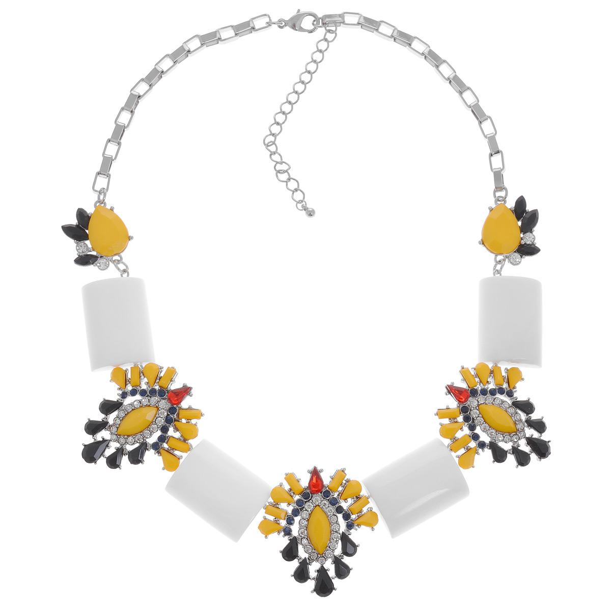 Колье Avgad, цвет: белый, желтый, черный. H-477S827H-477S847Оригинальное колье Avgad выполнено в виде девяти оригинальных элементов из ювелирного сплава, соединенных между собой, и дополненных оригинальной цепочкой. Три центральных фигурных элемента колье оформлены в едином стиле и дополнены разноцветными камнями из стекла и акрила. Колье застегивается на практичный замок-карабин, длина изделия регулируется за счет дополнительных звеньев в цепочке. Такое колье позволит вам с легкостью воплотить самую смелую фантазию и создать собственный, неповторимый образ.