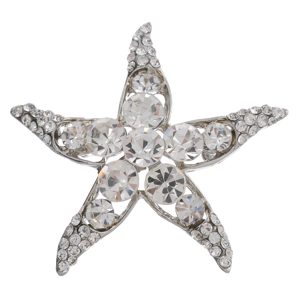 Брошь Avgad, цвет: серебристый. EA178JW112EA178JW112Оригинальная брошь Avgad выполнена из металла в виде морской звезды. Изделие декорировано стразами. Брошь крепится с помощью булавки с замочком. Изделие поставляется в подарочной коробке. Такая брошь позволит вам с легкостью воплотить самую смелую фантазию и создать собственный, неповторимый образ.