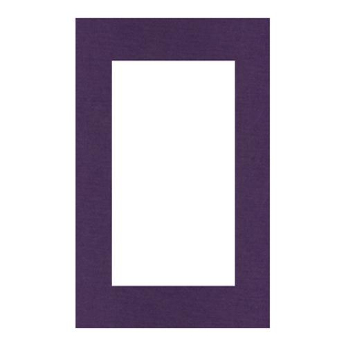 Паспарту Василиса, цвет: фиолетовый, 26 см х 38 см580669Паспарту Василиса, изготовленное из плотного картона, предназначено для оформления художественных работ и фотографий. Оно располагается между багетной рамой и изображением, делая акцент на фотографии, усиливая ее визуальное восприятие. Кроме того, на паспарту часто располагают поясняющие подписи, автограф изображенного. Внешний размер: 26 см х 38 см. Внутренний размер: 18 см х 30 см.