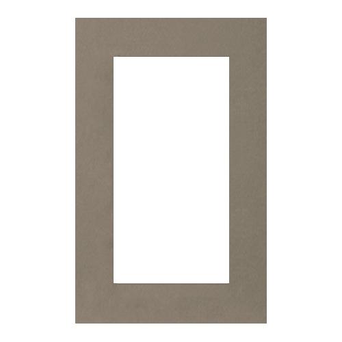 Паспарту Василиса, цвет: серый, 26 х 38 см580670Паспарту Василиса, изготовленное из плотного картона, предназначено для оформления художественных работ и фотографий. Оно располагается между багетной рамой и изображением, делая акцент на фотографии, усиливая ее визуальное восприятие. Кроме того, на паспарту часто располагают поясняющие подписи, автограф изображенного. Внешний размер: 26 см х 38 см. Внутренний размер: 18 см х 30 см.