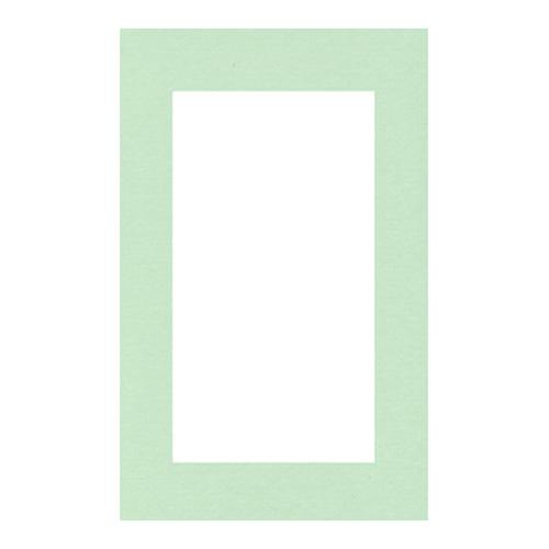 Паспарту Василиса, цвет: мятный, 26 х 38 см580676Паспарту Василиса, изготовленное из плотного картона, предназначено для оформления художественных работ и фотографий. Оно располагается между багетной рамой и изображением, делая акцент на фотографии, усиливая ее визуальное восприятие. Кроме того, на паспарту часто располагают поясняющие подписи, автограф изображенного. Внешний размер: 26 см х 38 см. Внутренний размер: 18 см х 30 см.