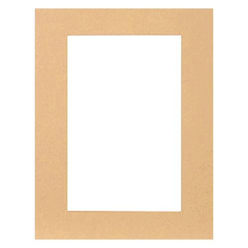 Паспарту Василиса, цвет: бежевый, 23 см х 34 см580884Паспарту Василиса, изготовленное из плотного картона, предназначено для оформления художественных работ и фотографий. Оно располагается между багетной рамой и изображением, делая акцент на фотографии, усиливая ее визуальное восприятие. Кроме того, на паспарту часто располагают поясняющие подписи, автограф изображенного. Внешний размер: 23 см х 34 см. Внутренний размер: 15 см х 26 см.