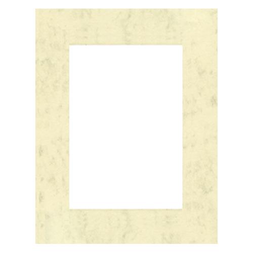 Паспарту Василиса, цвет: кремовый, 23 см х 34 см580887Паспарту Василиса, изготовленное из плотного картона, предназначено для оформления художественных работ и фотографий. Оно располагается между багетной рамой и изображением, делая акцент на фотографии, усиливая ее визуальное восприятие. Кроме того, на паспарту часто располагают поясняющие подписи, автограф изображенного. Внешний размер: 23 см х 34 см. Внутренний размер: 15 см х 26 см.