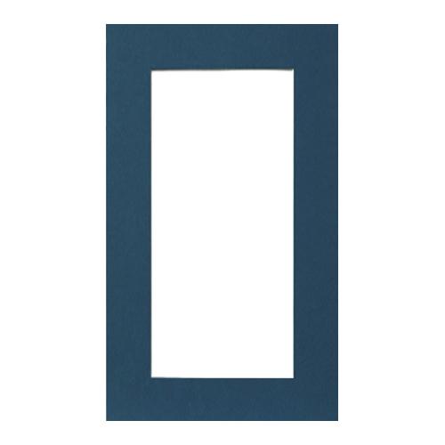 Паспарту Василиса, цвет: синий, 22 см х 38 см581094Паспарту Василиса, изготовленное из плотного картона, предназначено для оформления художественных работ и фотографий. Оно располагается между багетной рамой и изображением, делая акцент на фотографии, усиливая ее визуальное восприятие. Кроме того, на паспарту часто располагают поясняющие подписи, автограф изображенного. Внешний размер: 22 см х 38 см. Внутренний размер: 14 см х 30 см.