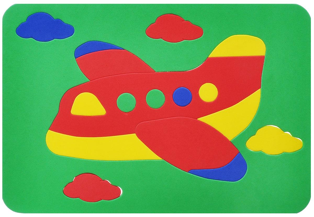 Август Мягкая мозаика Самолет, цвет основы: зеленый, 18 элементов27-2014_зеленыйМягкая мозаика Август Самолет выполнена из мягкого полимера, который дает юному конструктору новые удивительные возможности в игре: детали мозаики гнутся, но не ломаются, их всегда можно состыковать. Мозаика представляет собой рамку, в которой из семнадцати элементов собирается яркий самолетик в облаках. Ваш ребенок сможет собрать самолет и в ванной. Элементы мозаики можно намочить, благодаря чему они будут хорошо прилипать к стене в ванной комнате. Такая мозаика развивает пространственное и логическое мышление, память и глазомер, знакомит с формами и цветом предмета в процессе игры.