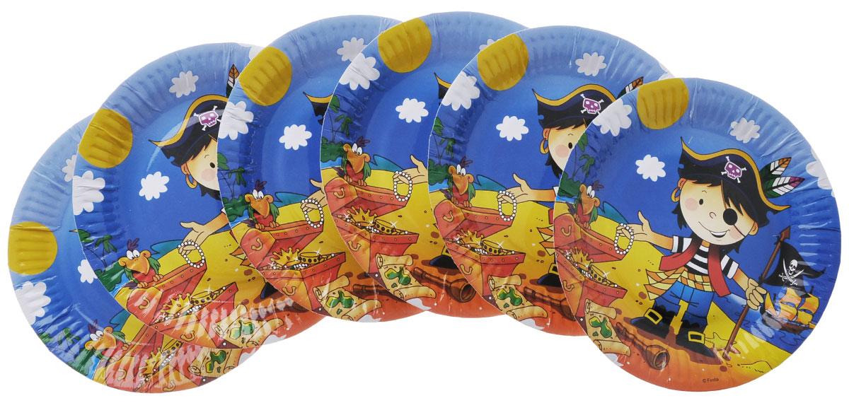 Веселая затея Тарелка бумажная Маленький пират, диаметр 17 см, 6 шт1502-1296Предвкушение праздника - одна из самых приятных эмоций в жизни человека. Радость, улыбки, громкий смех друзей и родных - что может быть лучше этого? Но для того, чтобы каждый праздник был поистине незабываемым, вам не обойтись без ярких и красочных помощников, ведь самое главное в этом случае - детали. Тарелка бумажная Веселая затея Маленький пират украсит праздничный стол и создаст веселую атмосферу. Благодаря рифленым краям тарелка будет крепко держаться в руке и кусок праздничного торта не окажется на скатерти. В комплекте 6 тарелок.