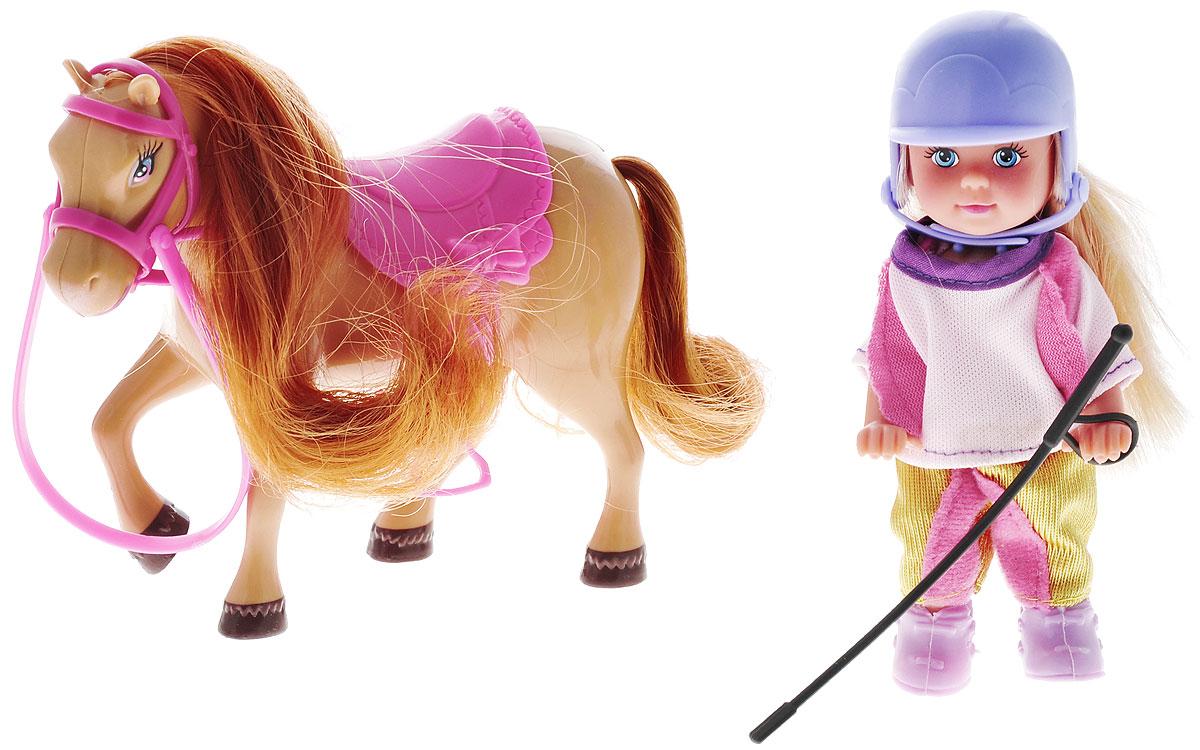 Simba Игровой набор Еви с пони5737464_светлая лошадкаИгровой набор Еви с пони не оставит равнодушной ни одну девочку. Крошка Еви вместе со своей пони на природе! Куколка с длинными светлыми волосами одета в розовую кофту, золотисто-розовые штаны, на ногах сиреневые ботинки. На голове у куклы защитный шлем сиреневого цвета. Еви стоит рядом со своей пони с шикарной вьющейся гривой и розовым седлом с бантиком. Благодаря маленьким размерам элементов набора ваша малышка сможет брать его с собой на прогулку или в гости. Порадуйте ее таким замечательным подарком!