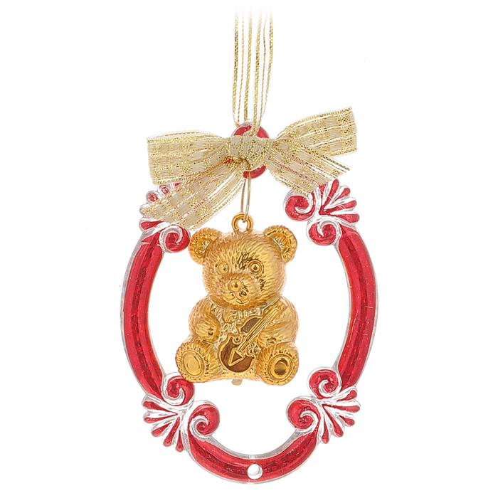Новогоднее подвесное украшение Феникс-презент Мишка, цвет: красный, золотистый, 7 х 5 х 2 см35065Оригинальное новогоднее украшение Феникс-презент Мишка, изготовленное из пластика и полиэстера, прекрасно подойдет для праздничного декора дома и новогодней ели. Изделие крепится на елку с помощью петельки. Создайте в своем доме атмосферу веселья и радости, украшая новогоднюю елку нарядными игрушками, которые будут из года в год накапливать теплоту воспоминаний.