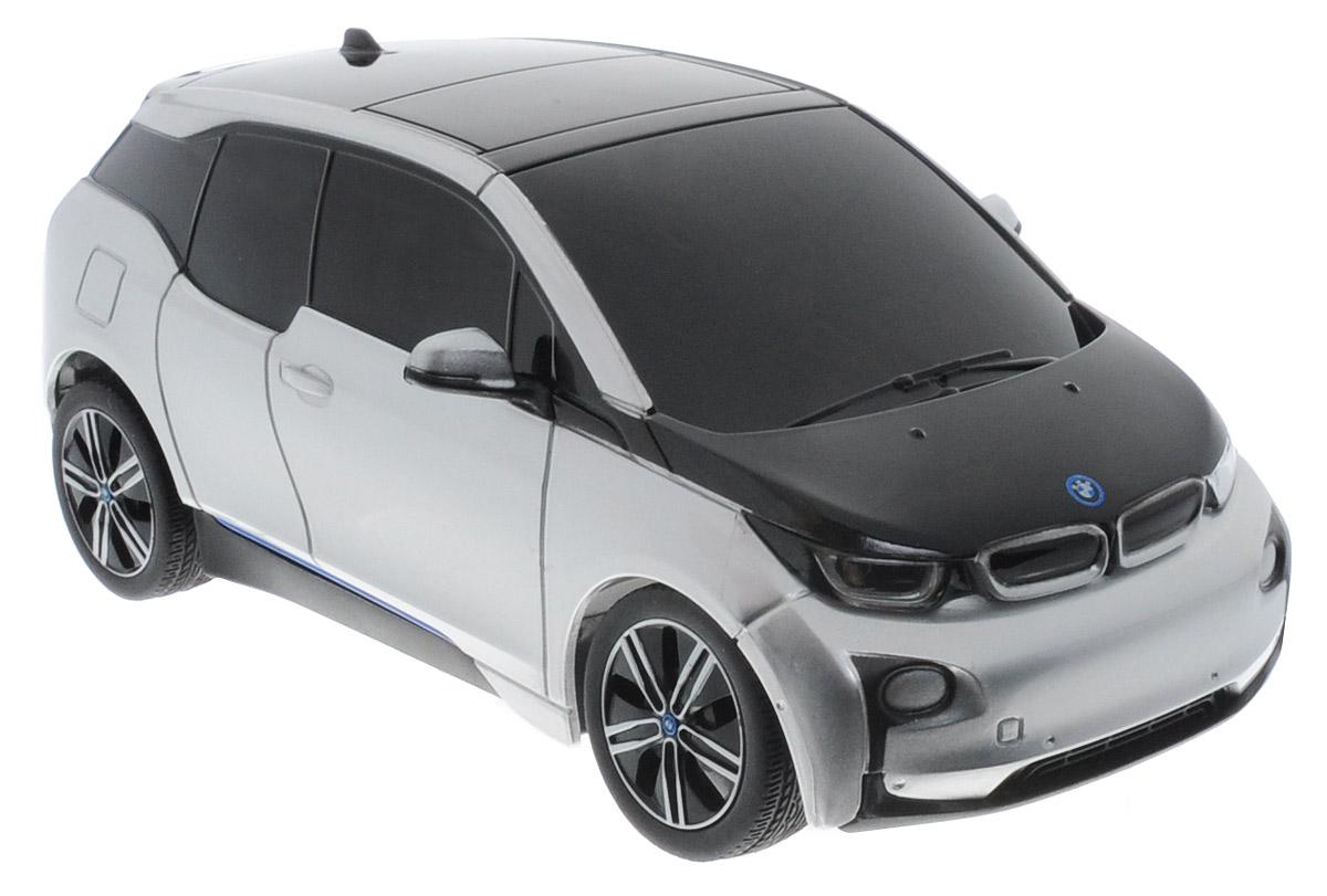 Rastar Радиоуправляемая модель BMW i3 цвет серебристый71200Радиоуправляемая модель Rastar BMW i3 станет отличным подарком любому мальчику! Все дети хотят иметь в наборе своих игрушек ослепительные, невероятные и модные автомобили на радиоуправлении. Тем более, если это автомобиль известной марки с проработкой всех деталей, удивляющий приятным качеством и видом. Одной из таких моделей является автомобиль на радиоуправлении Rastar BMW i3. Это точная копия настоящего авто в масштабе 1:24. Возможные движения: вперед, назад, вправо, влево, остановка. Для работы машины необходимы 3 батарейки типа АА (не входят в комплект). Для работы пульта управления необходимы 2 батарейки типа АА (не входят в комплект).