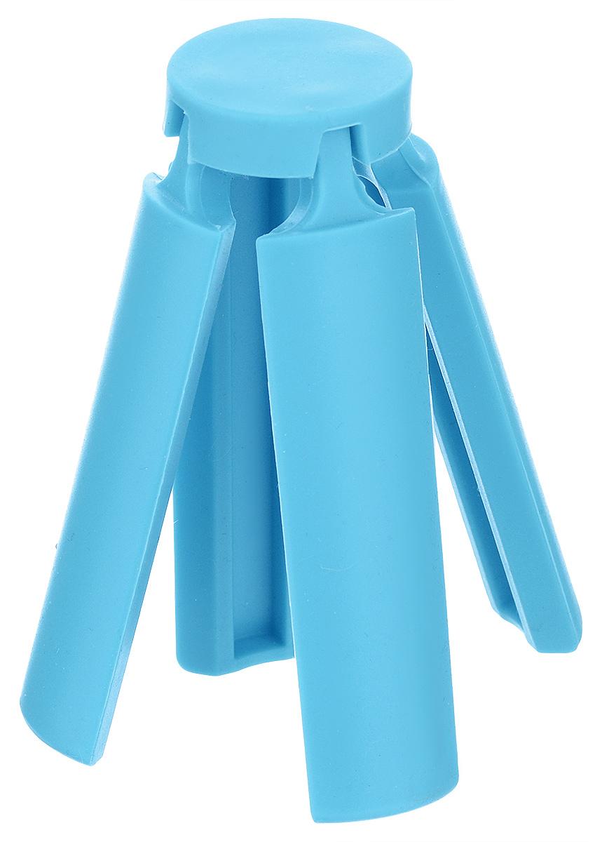 Подставка под горячее Marmiton, складная, цвет: голубой, 21,6 х 21,6 см12136_голубойПодставка под горячее Marmiton изготовлена из термостойкого силикона, который выдерживает температуру до +240°С. Подставка предназначена для горячей посуды, она поможет защитить поверхность столешниц и столов. Изделие складное, в сложенном виде не займет много места в кухонном ящике. Можно мыть в посудомоечной машине. Размер (в сложенном виде): 3,5 см х 3,5 см х 10 см. Размер (в разложенном виде): 21,6 см х 21,6 см х 1 см.
