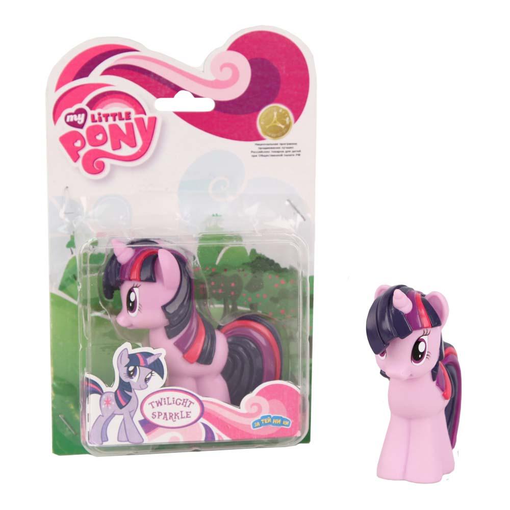 My Little Pony Пластизоль Пони Сумеречная искоркаGT6703Моя Маленькая Пони от Hasbro - это игрушки, созданные по мотивам мультфильма о волшебницах пони и их волшебном мире, где процветают добро и дружба! Маленькие фигурки волшебных пони из мультсериала - настолько миниатюрные, что их можно брать с собой куда захочешь! Каждая фигурка очень точна в исполнении, все детали очень точно прорисованы. Каждая малютка пони украшена фигурными хвостом и гривой. У малышек пони Hasbro много друзей, всех можно купить отдельно. Фигурка Мини-пони Sparkle, высотой 9 см, выполненная целиком из пластика.