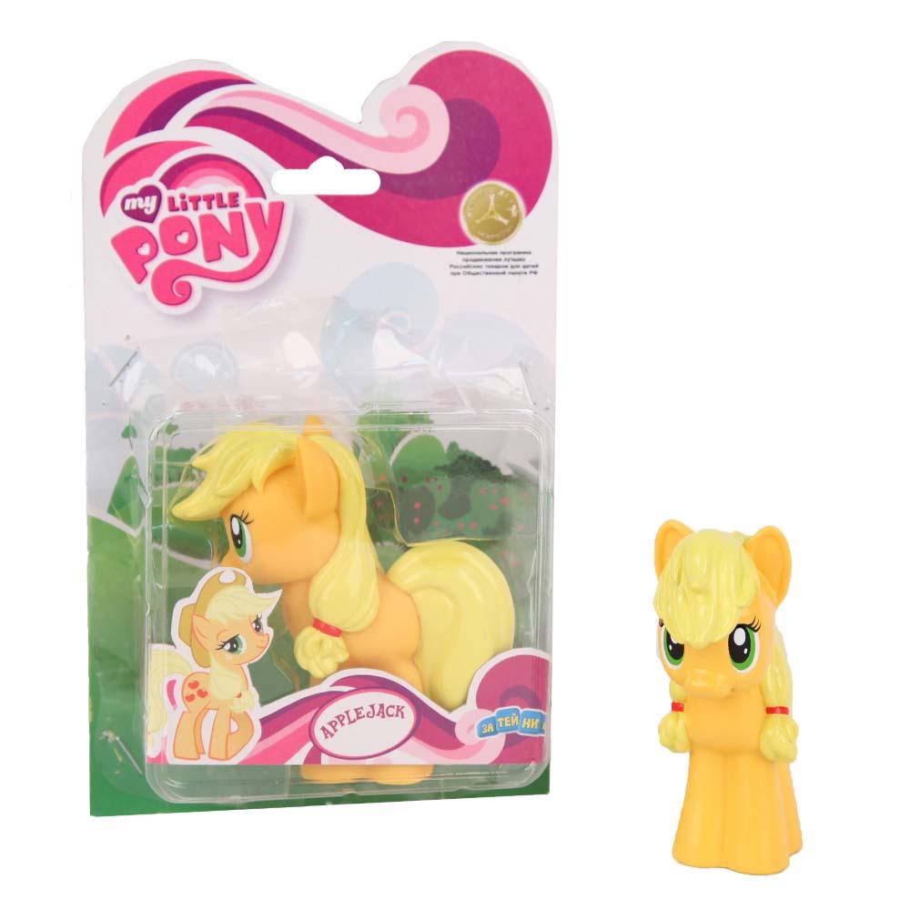 My Little Pony Пластизоль Пони Эпл ДжекGT6700Моя Маленькая Пони от Hasbro - это игрушки, созданные по мотивам мультфильма о волшебницах пони и их волшебном мире, где процветают добро и дружба! Маленькие фигурки волшебных пони из мультсериала настолько миниатюрные, что их можно брать с собой куда захочешь! Каждая фигурка очень точна в исполнении, все детали очень точно прорисованы. Каждая малютка пони украшена фигурными хвостом и гривой. У малышек пони Hasbro много друзей, всех можно купить отдельно. Фигурка Мини-пони Apple Jack, высотой 9 см, выполненная целиком из пластика.