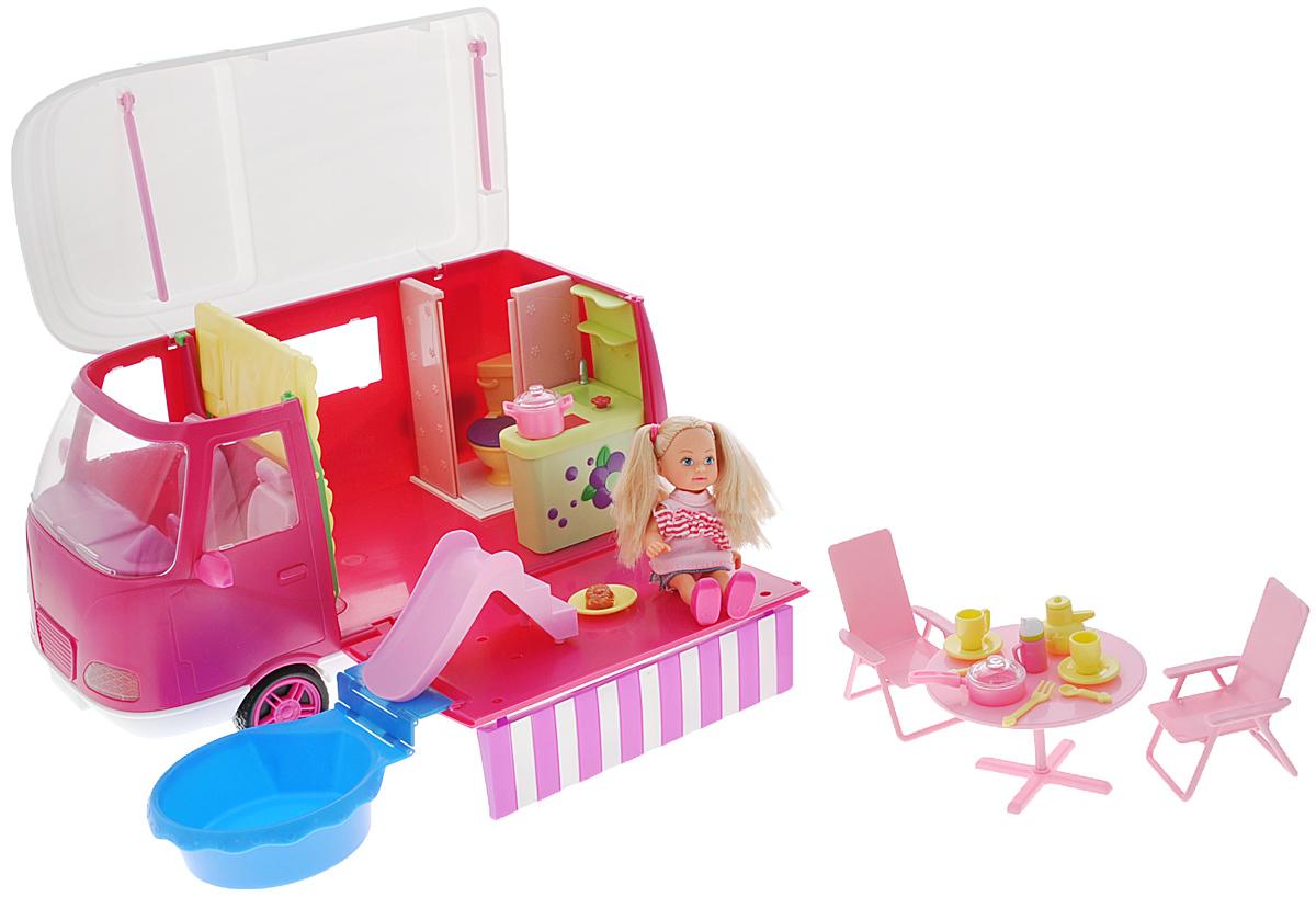 Simba Игровой набор с мини-куклой Еви на отдыхе5736221Игровой набор Еви на отдыхе не оставит равнодушной ни одну девочку. Крошка Еви собирается отправиться в путешествие на собственном автофургоне. С собой малышка взяла все необходимое для отдыха. В наборе: автофургон со всеми удобствами: кровать, мойка, туалет, плита, бассейн с горкой, столик, 2 стула, набор дорожной посуды. У домика на колесах крыша откидывается, а боковая стенка превращается в чудесный столик для пикника. У Еви подвижные ручки и ножки, голова поворачивается. Благодаря своей компактности, Еви можно брать в дальнее путешествие! Она не займет много места, а расставаться с ней не захочется! Порадуйте вашу малышку таким замечательным подарком.