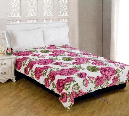 Плед Amore Mio Roses, цвет: розовый, зеленый, 150 см х 200 см68239Мягкий, теплый и уютный плед Amore Mio Roses изготовлен из фланели (100% полиэстер). Благодаря своей структуре плед отлично удерживает тепло, не накапливает статическое электричество. Фланель - мягкий материал, гипоаллергенен и экологичен. Благодаря уникальной технологии окрашивания, плед прекрасно отстирывается, не линяет и не скатывается. Изделие легко стирается, быстро сохнет и практически не мнется.