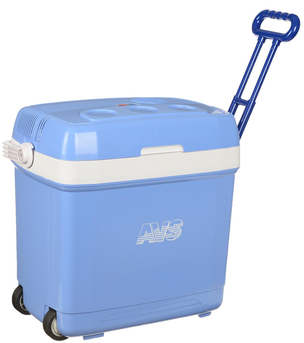 Холодильник автомобильный AVS CC-30B, с ручкой и колесиками, 30 лA80553SАвтомобильный холодильник AVS CC-30В - это незаменимый аксессуар для всех автомобилистов, которые долгое время проводят в дороге. Позволяет сохранить продукты и напитки, которые вы собираетесь взять в дальнюю поездку. Холодильник изготовлен из высокопрочной пластмассы. Вся изоляция выполнена из экологически чистых материалов. Устройство холодильника позволяет переключаться в режим нагрева с увеличением температуры внутри камеры до 65°С. Работает без компрессора и имеет встроенный контроль за состоянием аккумулятора автомобиля. Плотно прилегающая и фиксируемая крышка позволяет использовать холодильник с наибольшим КПД. Для наилучшего рекомендуется использовать аккумуляторы холода AVS. Питание: 220 В/12 В. Мощность в режиме охлаждения: 42 Вт. Емкость: 30 л. Принцип работы по эффекту Пельтье. Максимальное охлаждение: 15-18°С от температуры окружающей среды. Максимальный нагрев: до 65°С. Минимальная температура охлаждения: +5°С (при...