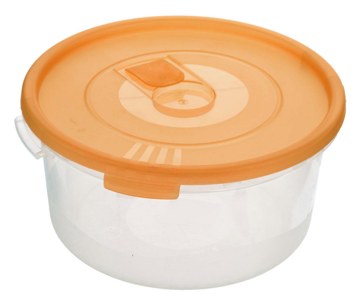 Контейнер Полимербыт Смайл, цвет: прозрачный, оранжевый, 1,6 лС522_оранжевыйКонтейнер Полимербыт Смайл круглой формы, изготовленный из прочного пластика, предназначен специально для хранения пищевых продуктов. Контейнер оснащен герметичной крышкой со специальным клапаном, благодаря которому внутри создается вакуум, и продукты дольше сохраняют свежесть и аромат. Крышка легко открывается и плотно закрывается. Стенки контейнера прозрачные - хорошо видно, что внутри. Контейнер устойчив к воздействию масел и жиров, легко моется. Имеет возможность хранения продуктов глубокой заморозки, обладает высокой прочностью. Можно мыть в посудомоечной машине. Подходит для использования в микроволновых печах. Диаметр: 20 см. Высота (без крышки): 9 см.