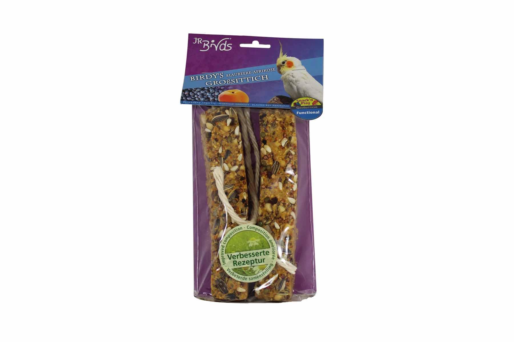 JR FARM 08453 Палочки для крупных попугаев с Черникой и Абрикосом 2шт25554Уникальное лакомство из хорошо запеченного печенья и полезной глазури и вкусным покрытием из ягод и фруктов. Птица может держаться за лакомство и лазить по нему пока клюёт палочку.