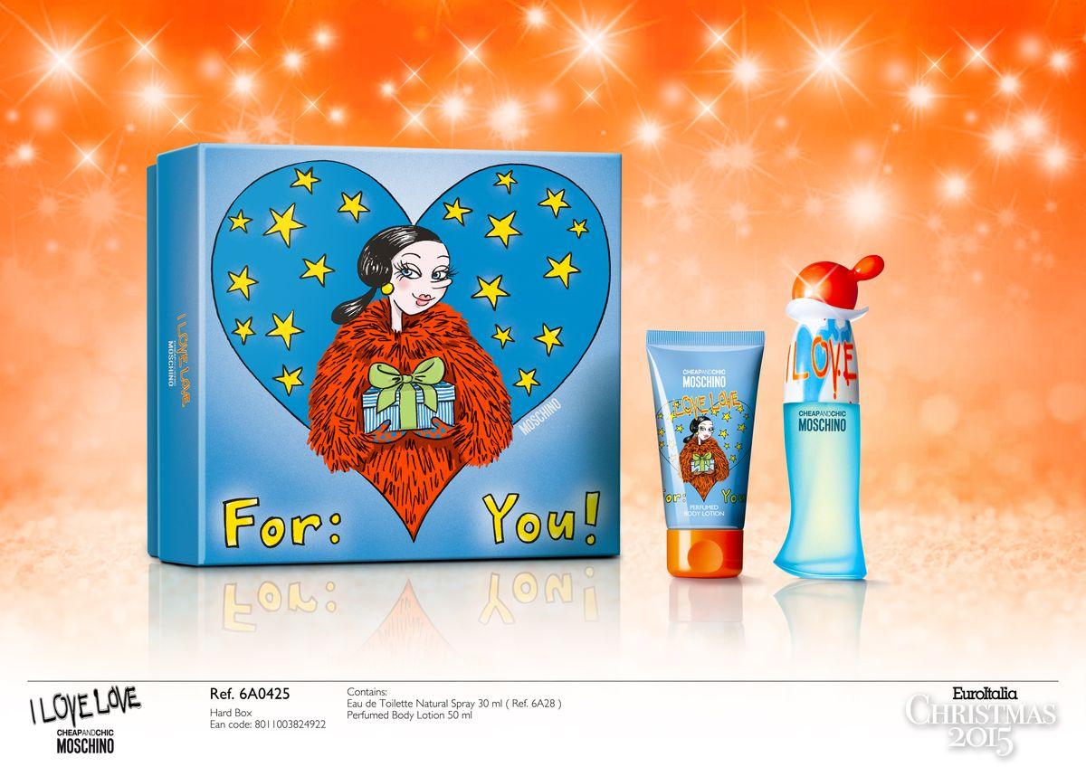 Moschino I Love Love Подарочный набор женский: Туалетная вода 30 мл+молочко для тела 50 мл6A0425ЦВЕТОЧНЫЙ-ДРЕВЕСНЫЙ АРОМАТАроматстольжеюный, какичувство, вдохновившеенаего создание. Его стихия – пробуждение счастья и всей силы эмоций, сопровождающих Любовь! Настоящий подарок для влюбленной женщины, энергичной, ироничной и задорной влюбви! Восхитительный пряный бриз кедра, мускуса и редчайшей ноты индийского дерева танака, тысячелетиями используемого женщинами Востока для поддержания своего очарования и неповторимости. Флакон украшен настоящим цветным великолепием. Выразительностьярко-оранжевого цвета крышечки и насыщенной голубизны матового основания в сочетани и сзабавными граффити на флаконе пробуждают счастье и всю силу эмоций.Ключевые слова: Искрящийся, страстный, нежный, юный, авантюрный, озорной, чувственный, флиртующийСрок годности: 36 месяцев