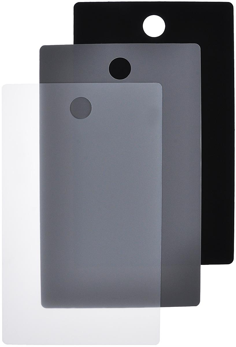 Набор разделочных досок Fiskars Functional Form, гибкий, цвет: светло-серый, серый, черный, 44 х 27 см, 3 шт1014213Набор Fiskars Functional Form, состоящий из трех досок, изготовлен из гибкого высококачественного пластика с антибактериальным покрытием для удобства переноски и высыпания. Изделие используется в качестве сменных насадок на деревянную разделочную доску Fiskars. Можно использовать отдельно для разделки всех видов пищевых продуктов. Набор Fiskars Functional Form оснащен отверстием для подвешивания на крючок. Можно мыть в посудомоечной машине.