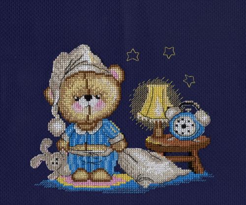 Набор для вышивания крестом М.П.Студия Мишка-соня, 15 х 20 см486315Набор для вышивания крестом М.П.Студия Мишка-соня поможет вам создать свой личный шедевр - оригинальную картину с изображением милого мишки в пижаме. Работа, выполненная своими руками, станет отличным подарком для друзей и близких! Набор содержит: - хлопковую канву темно-синего цвета Aida 14 для вышивания; - хлопковые нитки мулине Gamma (14 цветов); - 1 иглу; - цветную схему с инструкциями. Размер канвы: 31 х 25 см.
