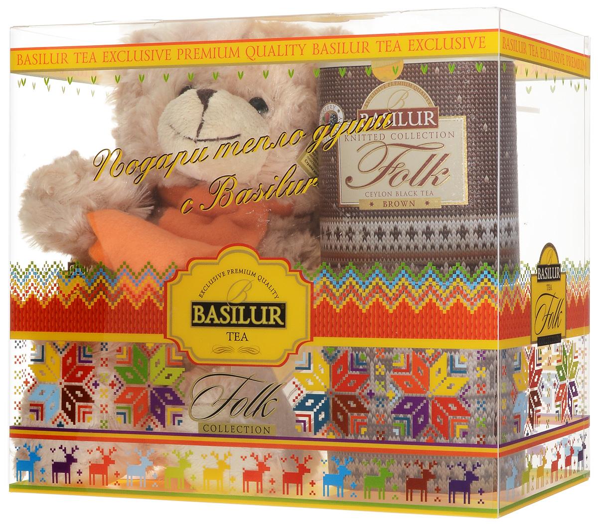 Basilur Folk Brown черный листовой чай с игрушкой, 100 г50196-00Подарочный набор Радость включает в себя черный листовой чай Basilur Folk Brown и мягкую игрушку - плюшевого мишку, который порадует и взрослых и детей. Для детей всегда желанна новая игрушка, особенно такой милый медвежонок. Что касается взрослых, то каждый из нас когда-то был ребенком и имел любимую игрушку, которой можно было рассказать заветные секреты. Размер игрушки: 240 x 200 x 100 мм. Чёрный цейлонский байховый листовой чай Basilur Folk Brown с кусочками клубники и папайи, лепестками амаранта и ароматами малины и ежевики подарит вам напоминание о летней ягодной поляне. Зимним вечером этот чай прекрасно согреет и поднимет настроение, а в летнюю жару прекрасно освежит и взбодрит.