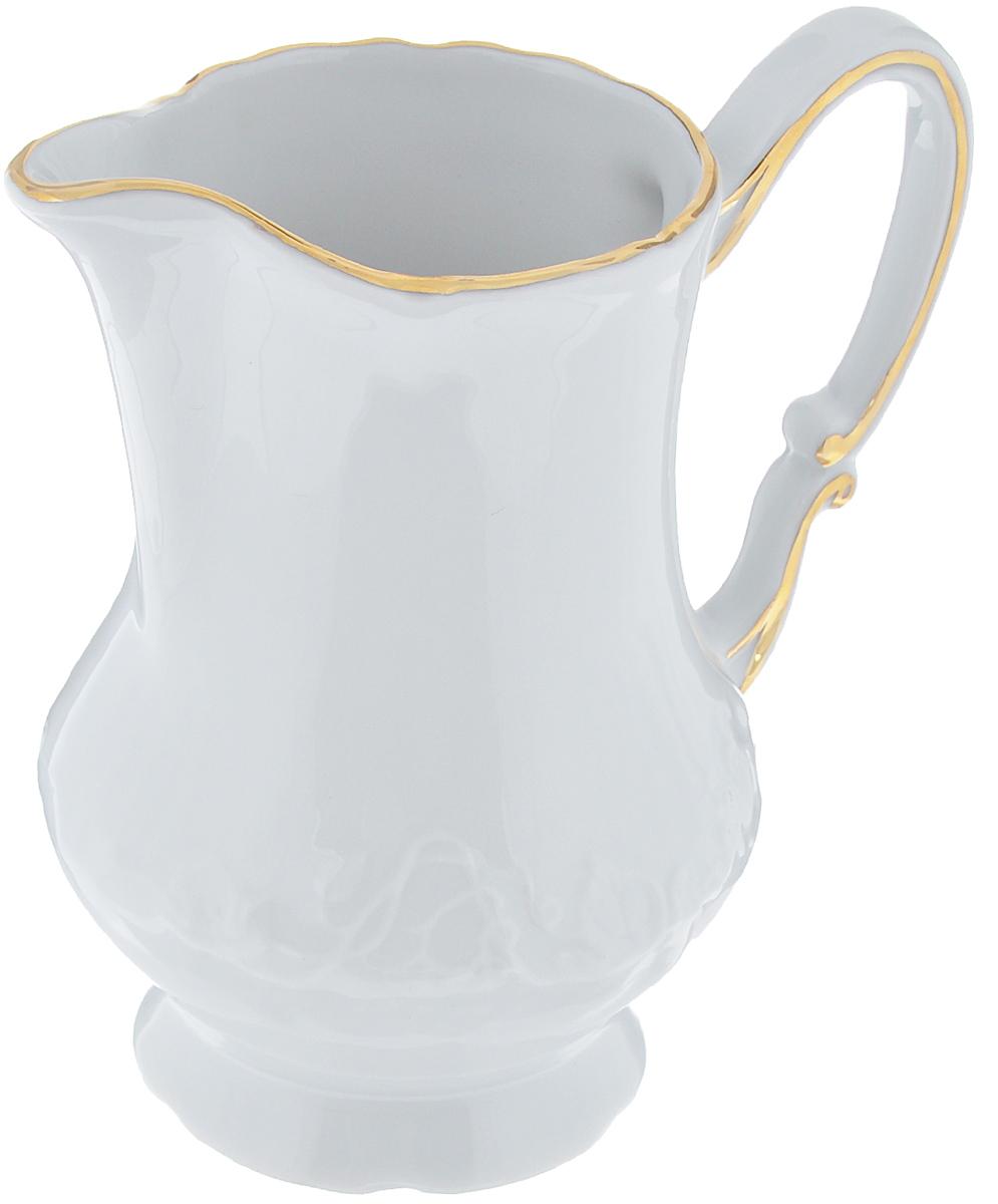 Молочник La Rose Des Sables Vendanges, цвет: белый, золотистый, 220 мл6 930 221 009Молочник La Rose Des Sables Vendanges изготовлен из высококачественного фарфора. Украшен рельефным изображением цветов. Предназначен для подачи сливок и молока. Элегантный молочник изящного, но в тоже время простого дизайна, станет прекрасным украшением стола к чаепитию. Не использовать в СВЧ и посудомоечной машине. Размер молочника (по верхнему краю): 7 см х 5,5 см. Высота молочника: 11,5 см. Объем молочника: 220 мл.