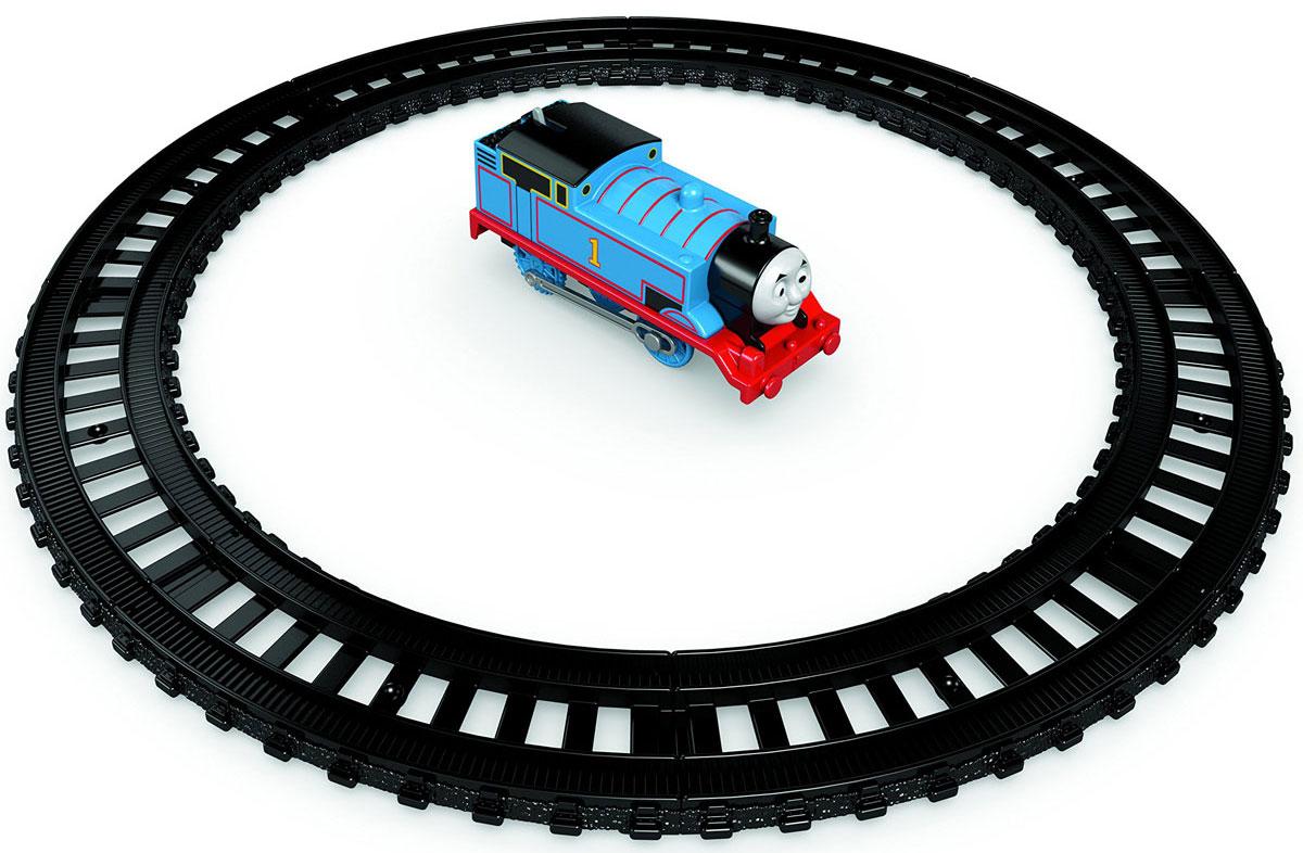 Thomas & Friends Игрушка TrackMaster Стартовый наборCCP28Игрушка My First Thomas & Friends TrackMaster. Стартовый набор представляет собой железную дорогу Томаса. Это идеальная возможность начать путешествие с набором или пополнить уже имеющуюся коллекцию! В набор входит 8 элементов железной дороги и механический паровозик Томас. Можно построить кольцевую железную дорогу для Томаса или скомбинировать игровой набор с другими железнодорожными участками.