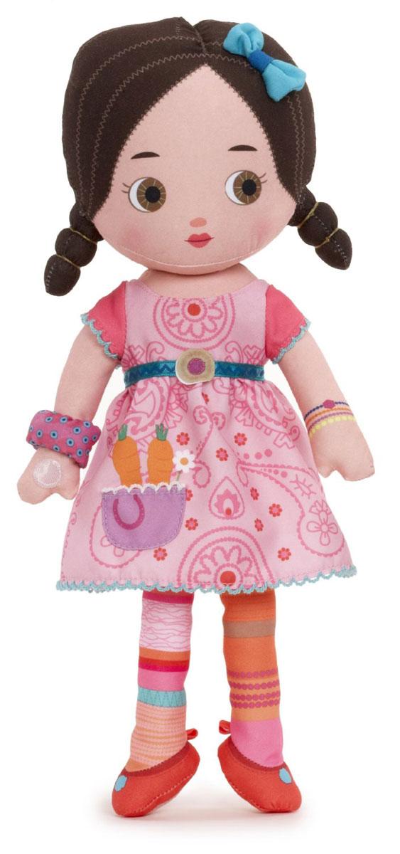 Mooshka Мягкая кукла Katia940-266_KatiaОчаровательная мягкая кукла Mooshka Katia непременно станет любимой игрушкой вашей малышки. Кукла выполнена из приятного на ощупь текстиля и не имеет твердых элементов, что делает игру с ней безопасной даже для самых маленьких малышей. Куколка одета в розовое платье с кармашком, украшенное оригинальным принтом. На ручках куклы расположены липучки, чтобы крепко держаться за руки с другими куколками. Также в комплект входит небольшая пальчиковая куколка, которая разнообразит игры малышки и позволит ей проявить свою фантазию, разыгрывая веселые представления. Трогательная мягкая куколка принесет радость и подарит своей обладательнице мгновения нежных объятий и приятных воспоминаний. Благодаря играм с куклой ваша малышка сможет развить воображение и любознательность, овладеть навыками общения и научиться ответственности. Куклу можно стирать в стиральной машинке.